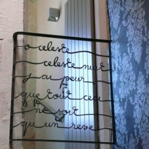 Atelier, rouge, cerise, rampe, fer, forge, ferronnerie, art, rambarde, metal, acier, vitrail, vitraux, nouveau, étampé, force, arbre, arborescent, vegetal, massif, patine, cire, courbe