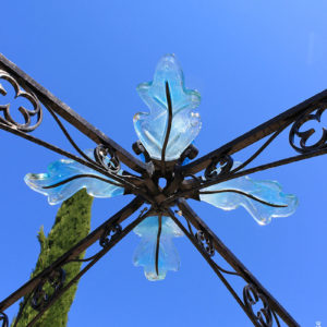 atelier, rouge, cerise, fer, forge, ferronnerie, art, metal, acier, exterieur, jardin, verre, kiosque, chêne, médiéval, dessus, puit, bleu, gland, structure