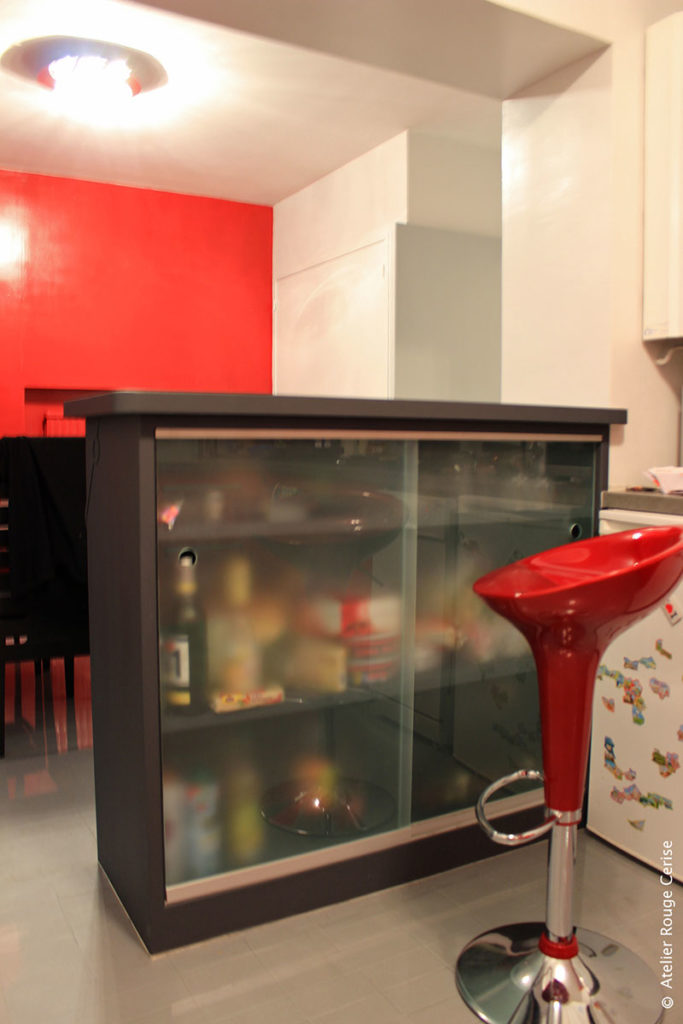 furniture rouge cerise. Black Bedroom Furniture Sets. Home Design Ideas